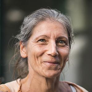 Florence cougnon, yoga aux sables d'Olonne